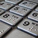 Přečtěte si, jak bezpečně používat platební kartu